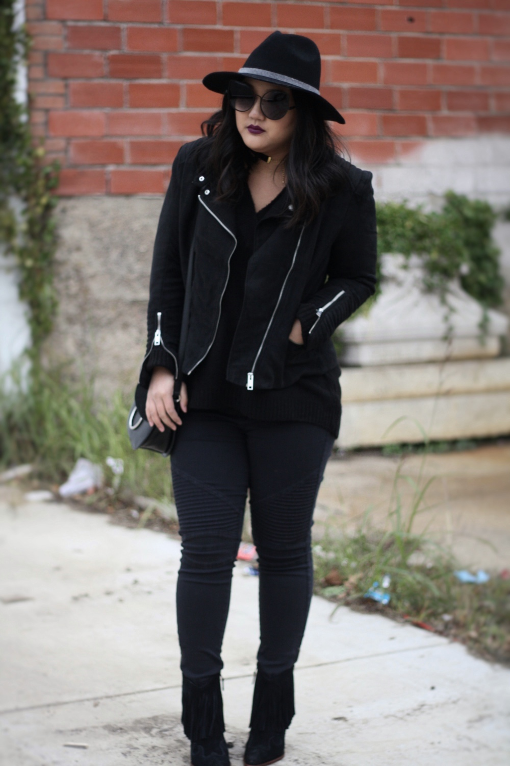 Black on black outfit - In the Grey