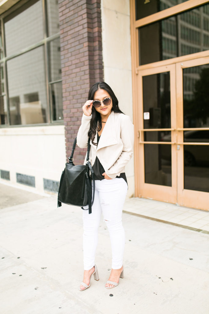 casual-outfit-black-white-jeans