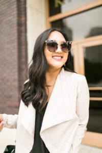 print-sunglasses-neutral-look